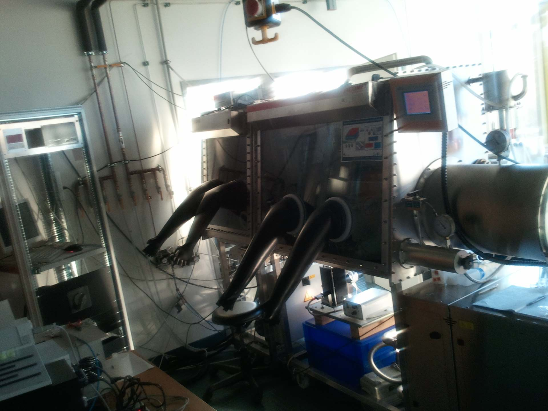 Glovebox wiht evaporator and Solar Simulator